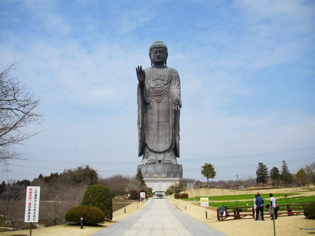 ushiku great buddha